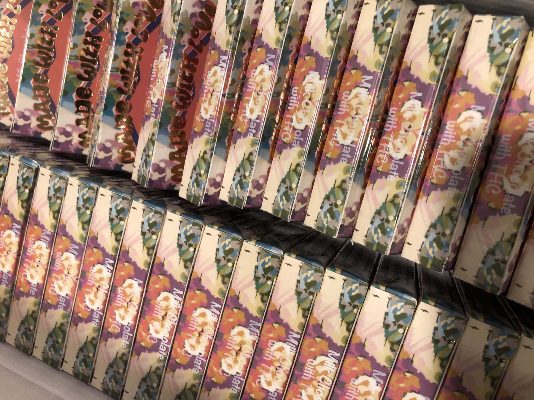 400 MG High Vibes Belgian Milk Chocolate Bar (25 mg x 16 pieces) Product image